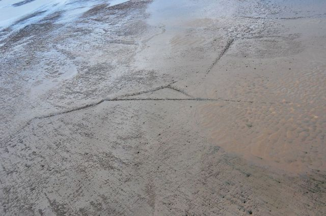 Lines and a triangle at Mawbray Banks (Photo (C) Andrew Lysser)